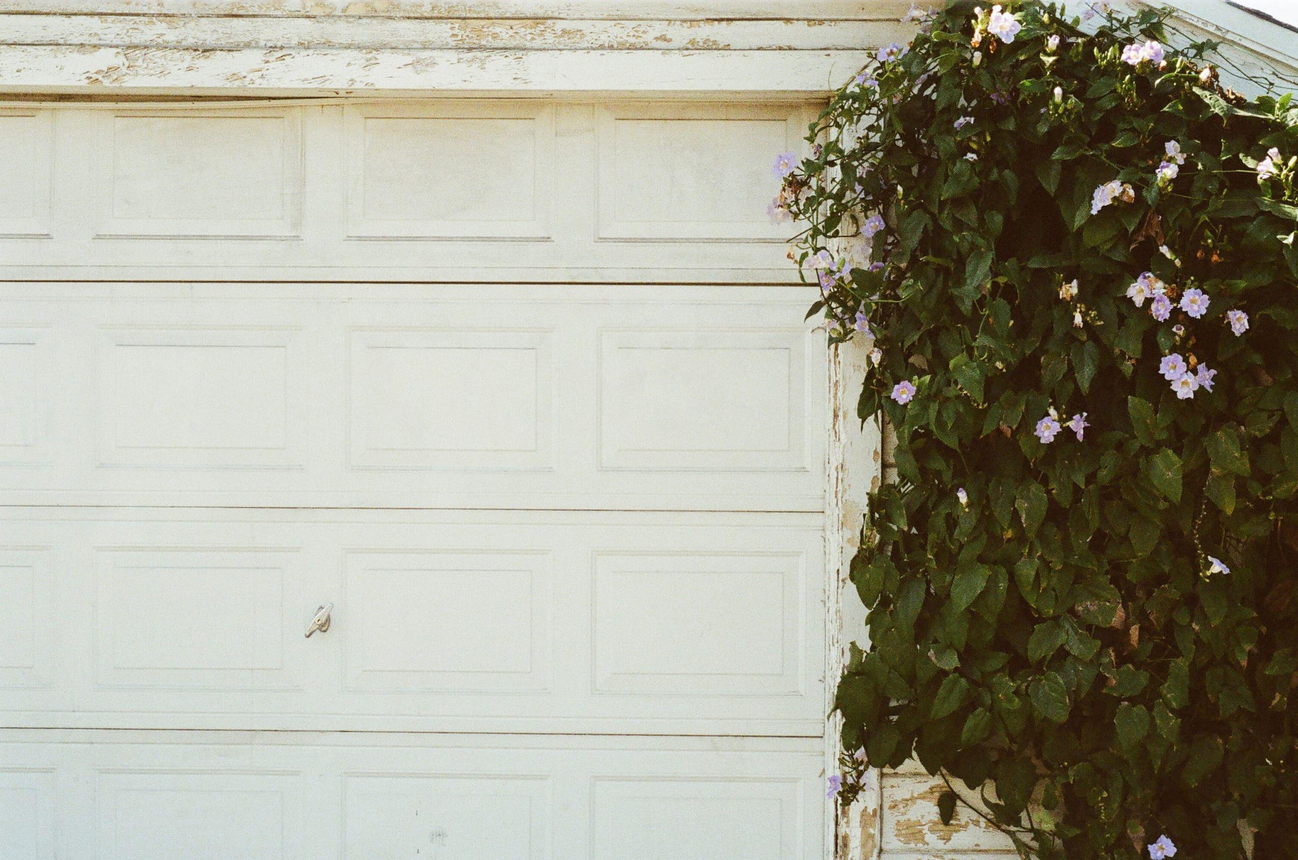 garage door replacement in putnam county