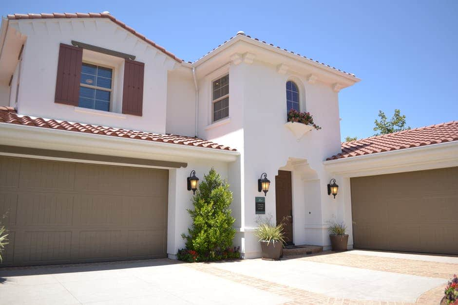 The Importance Of Servicing And Maintaining Your Garage Door On